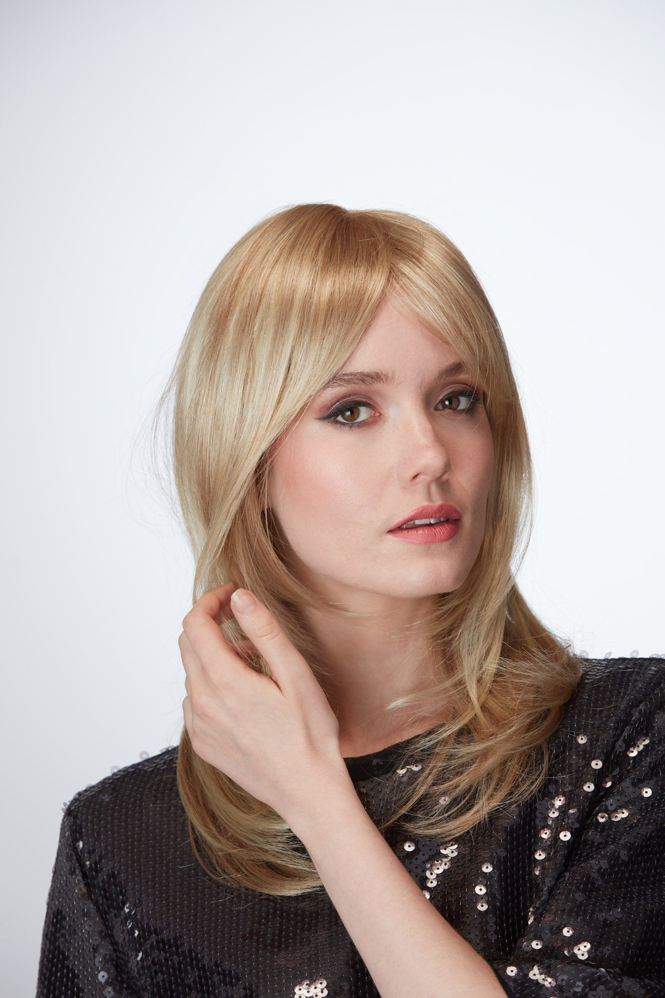 Affair Wig Ellen Wille Hair Society Collection - image Beverly_R14_88_886 on https://purewigs.com