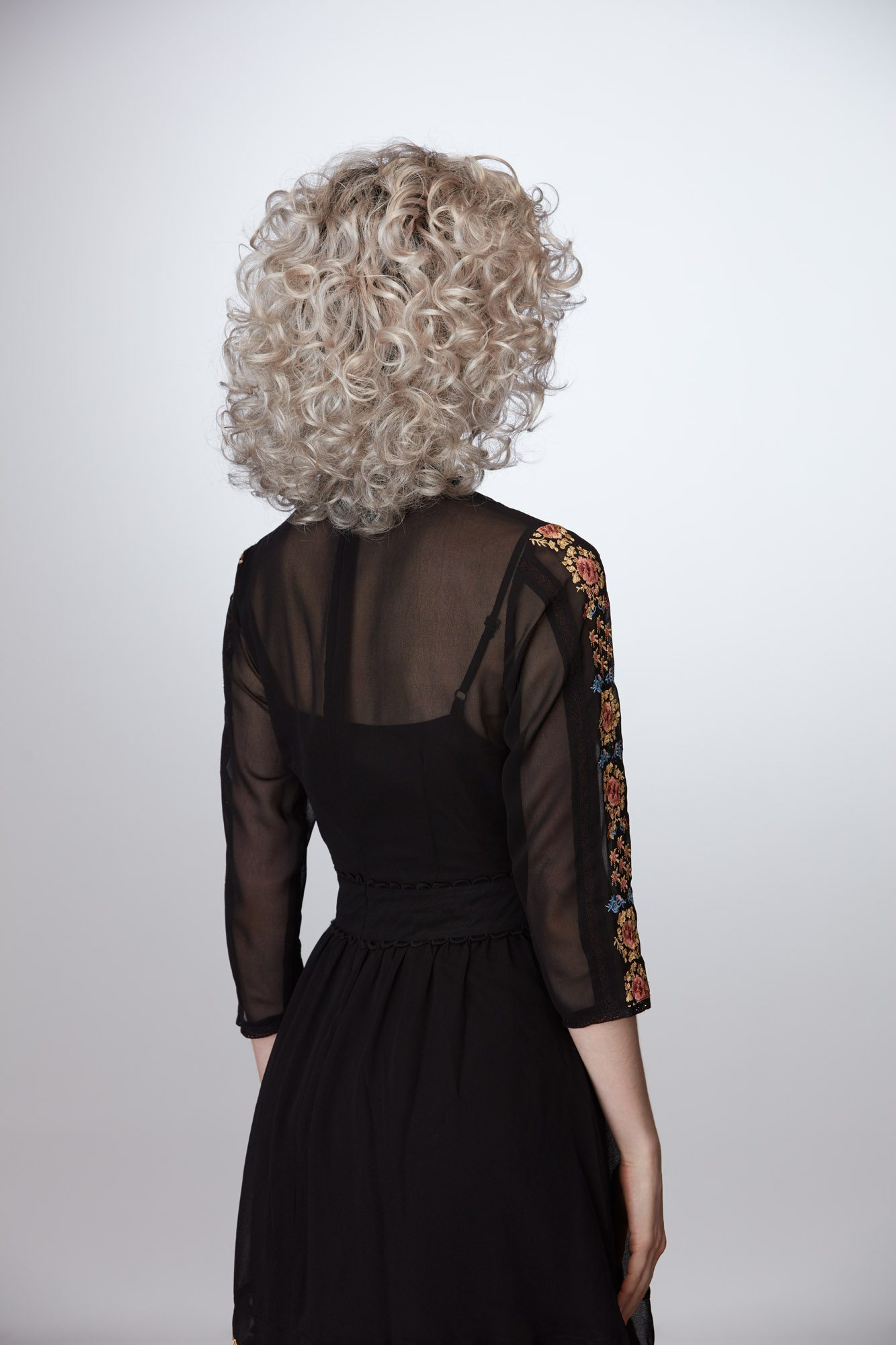 Compelling Wig Natural Image - image Compelling_G602_322 on https://purewigs.com